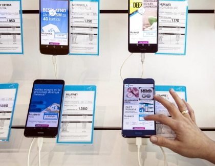Smartphone Sales in China Dropped Significantly in February