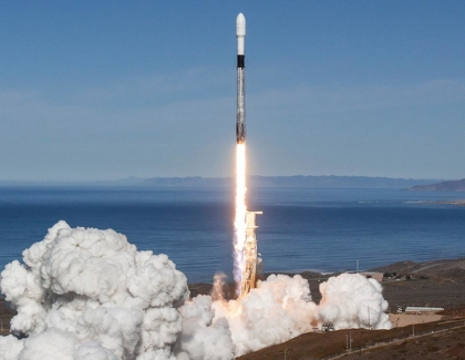 SpaceX and Space Adventures Plan To Bring Tourists to Space by 2021