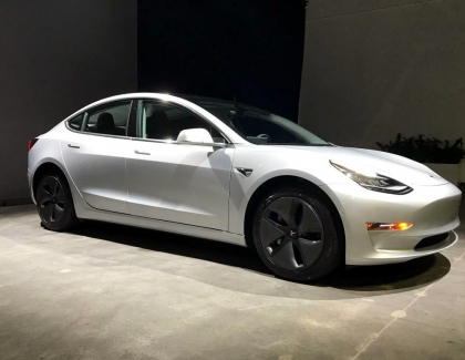 "Tesla to Offer a Model 3 to be ""Pwnd"""