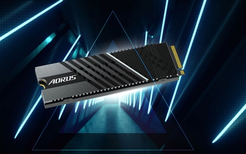 GIGABYTE AORUS Gen4 7000s SSD- The Fastest PCIe 4.0 NVMe SSD