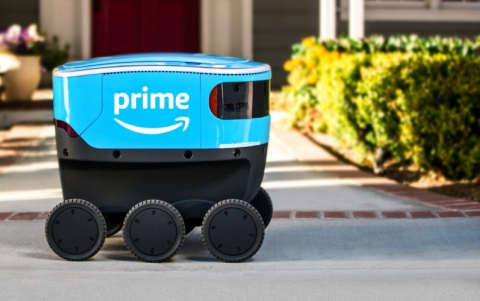 Amazon Starts Using the Scout Electric Robot For Deliveries