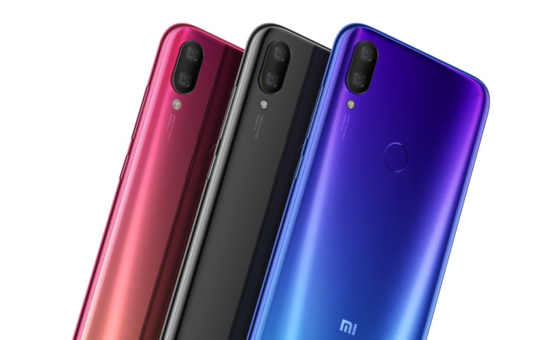 Xiaomi's New Mi Play Smartphone Features a Circular Camera Notch, Affordable Price