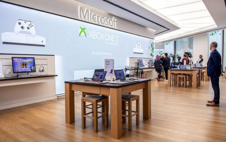 Microsoft Opens Its First European Store