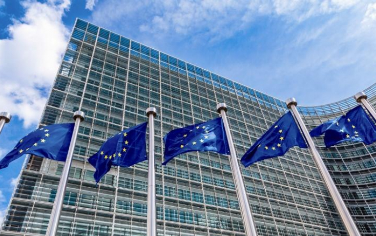 EU to Regulate Tech Giants' Online Business Practices, Move to Tackle Online Disinformation