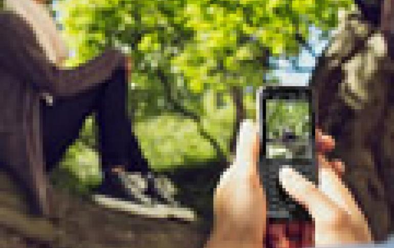 Entry-level Nokia 222 Phone Lets You Surf Online, Capture Photos