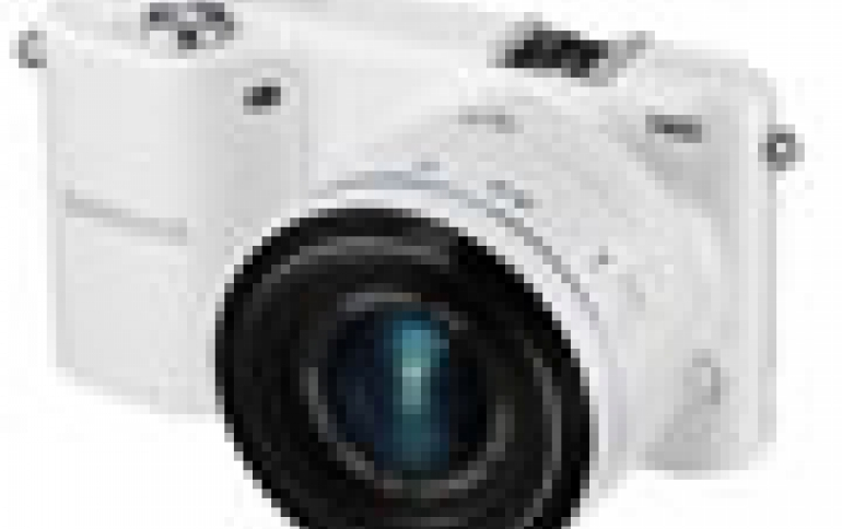 Samsung Expands NX Line with the SMART Camera NX2000