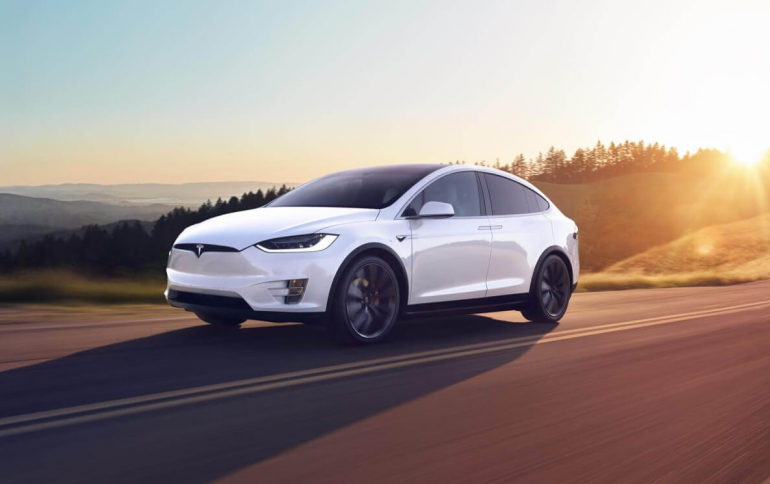 Tesla's Software Version 9.0 Released, New AutoPilot Features Are Missing